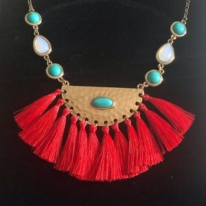 Coral necklace with Frill